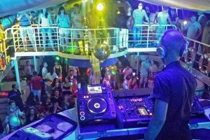 party-boat_3